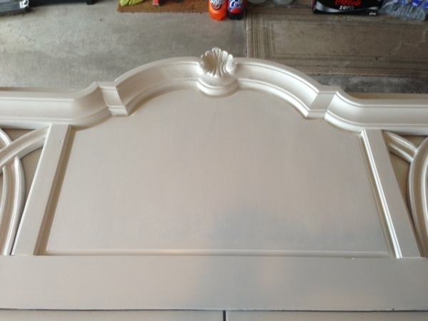 Center part of headboard painted white