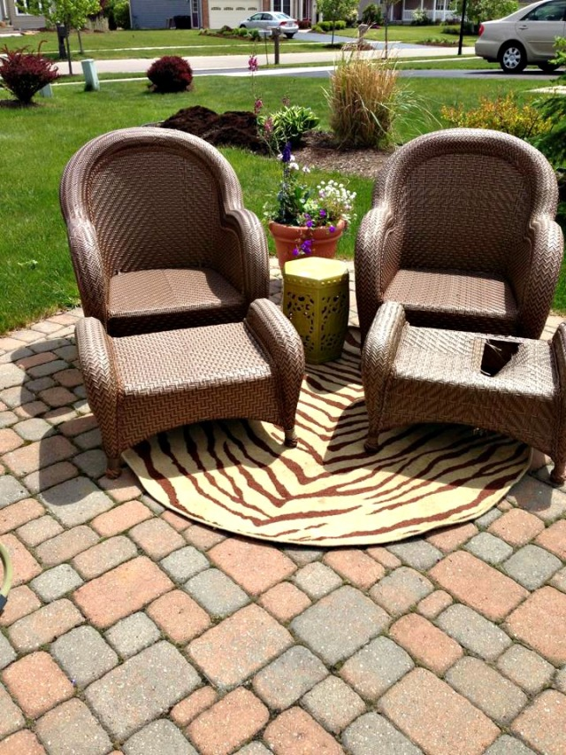 Wicker Chairs without cushions web