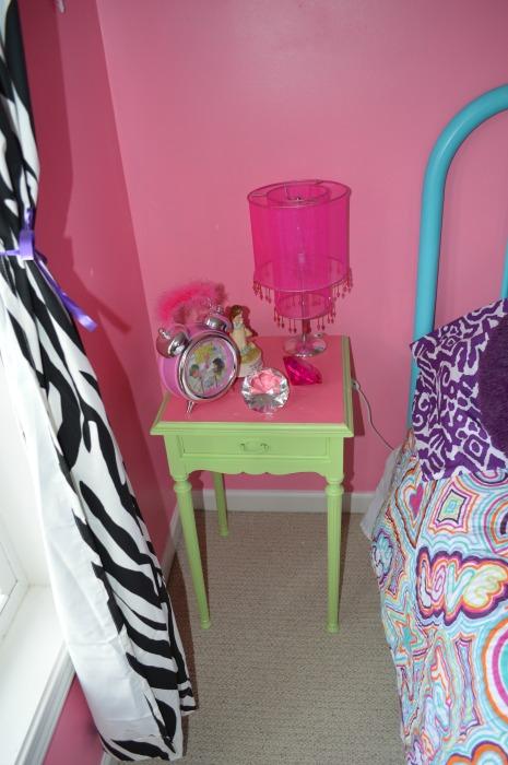 Emma's little nightstand web