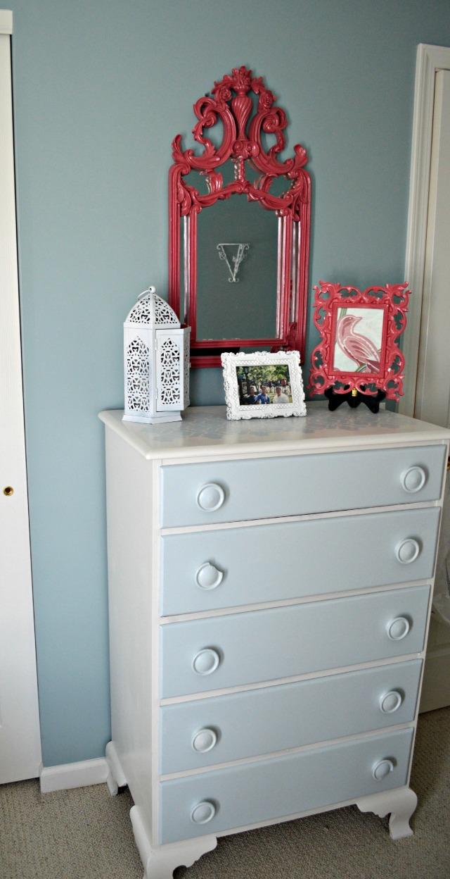 guestroom dresser w mirror web