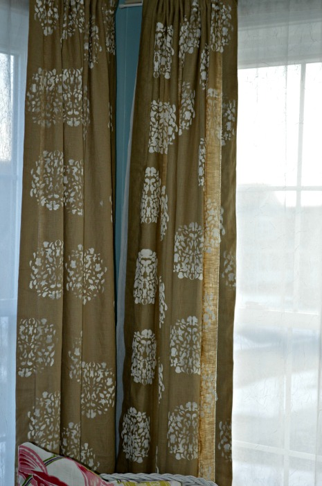 stenciled curtains guestroom web